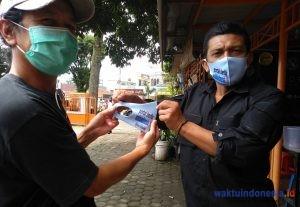 Cegah Penyebaran Covid – 19, Media Online Waktuindonesia.id Bagikan Masker
