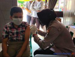 Jelang PTM, Polres Pringsewu Bersama Disdik Vaksinasi Ratusan Pelajar