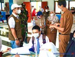 Ketua DPRD Lambar Tinjau Vaksinasi di Sekolah