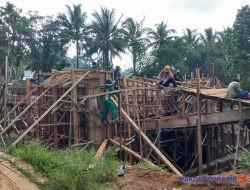 Proyek Jembatan Terlambat Pengerjaan, Pemkab Pesibar Berikan Sanksi Tegas Rekanan