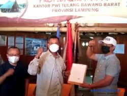 Sejarah! Balon Ketua PWI Lampung Nizwar Teken Pakta Integritas di Tubaba